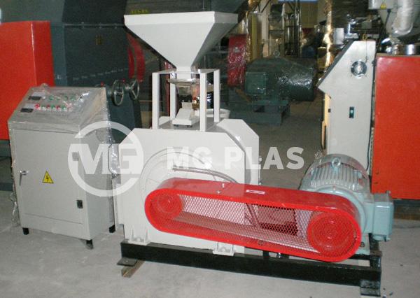 Blade Type Plastic Milling Machine